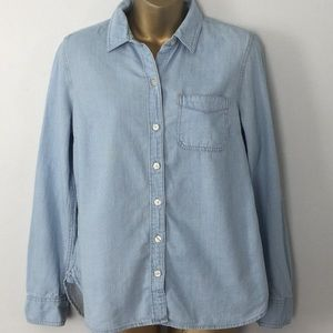 Old Navy chambray button down shirt small
